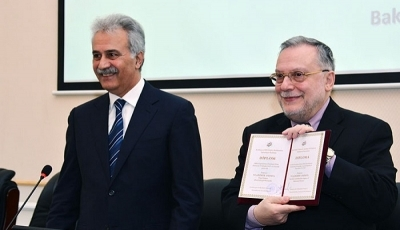 "Academician Vladimer Papava was awarded with the diploma ""Honorary Doctor"" of the Institute of Economics, ANAS."