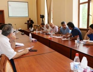 Elmi Seminarda iki İran vətəndaşının dissertasiya işi müzakirə edildi